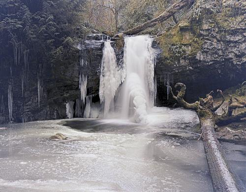 Frozen Falls on Stocking Creek © Art Jurisson